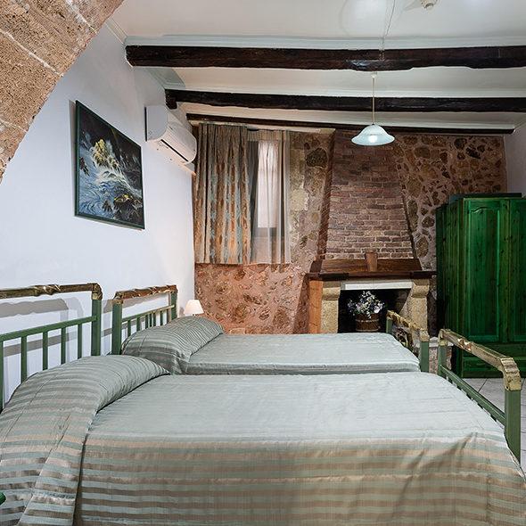 anastasia-bedroom4